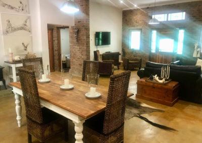 1-interior-dining-room-lounge-area
