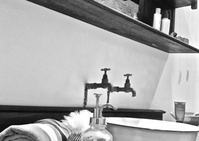 11-master-bathroom-vanity